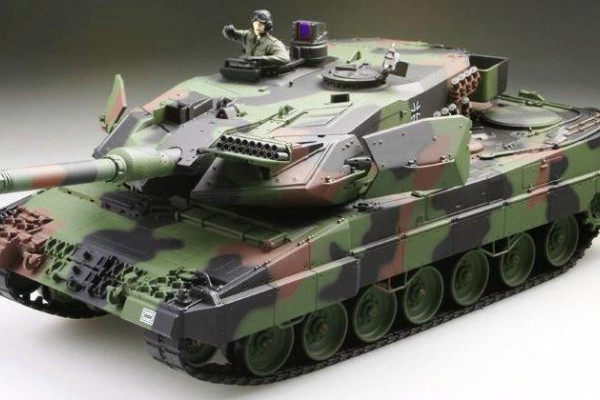 Танк VSTANK PRO German Leopard 2 A5 NATO 1:24 IR (RTR Version) A02103828 камуфляж